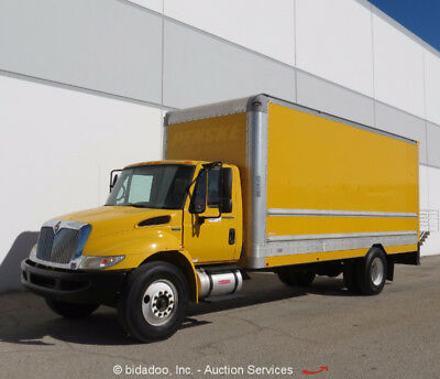 2011 International 4300 Box Truck Cargo Delivery Truck Roll Out Ramp Cold AC