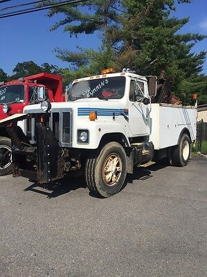 1989 International 2574 Utility Truck - Cummins LTA10 50K Miles Liftgate Plow