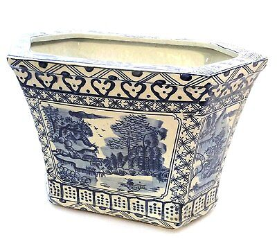 Beautiful Chinese Blue and White Blue Willow Hexagonal Porcelain Planter