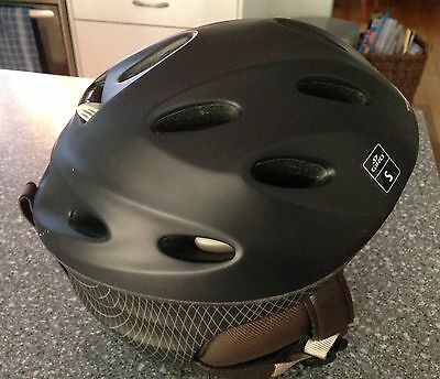 Size Small Women's / Ladies Giro Ski Snow Helmet