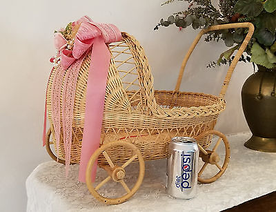 Baby Reveal Shower prop, Wicker stroller with musical lullaby