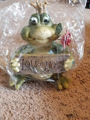 "Prince Frog Figurine ""Love You"""