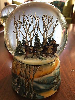 100mm Charlotte Design Christmas Dickens Carriage Snow Globe (Rotate)