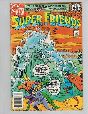 The Super Friends 17  Trapped In Two Times!   1979   DC Comic!