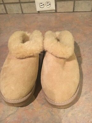 UGG CLUGGETTE 5355 ..SLIPPERS..Women's Size 10 ..color- SAND.... BEAUTIFUL!!