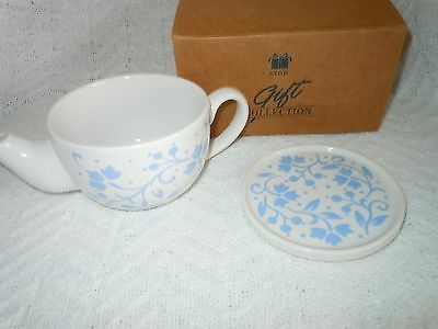 Avon Warm And Cozy Tea Pot Mug Blue And White With Cover/Coaster 11-Ounces