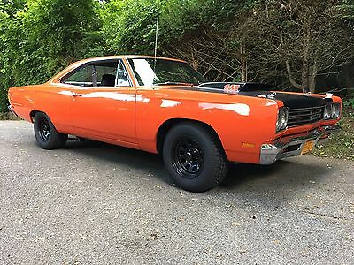 1969 Plymouth Road Runner  1969 Plymouth Roadrunner