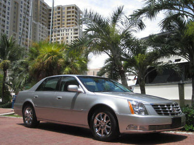 2010 Cadillac DTS Luxury Premium DTS Sunroof Wood Wheel AC Seats Florida 2010 Cadillac DTS Premium Sunroof Chromes Wood Wheel 1 Owner Fee Carfax