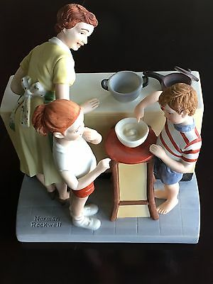 """Norman Rockwell """"Mothers Little Helpers"""" figurine. 6.5x 5.5 The American Family"""