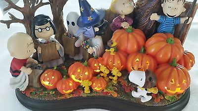 """The Danbury Mint Peanuts Snoopy Halloween """"Welcome Great Pumpkin"""" Lighted"""