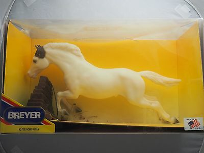 Breyer Horse Sacred Indian|#723|Trad.|NIB|