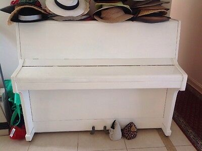 Piano White Gloss Wamberal Nsw Central Coast PRICE LOWERED How low can I GO !