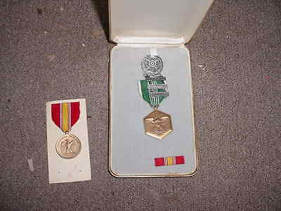 Lot Of 3 Military Medals And Ribbon Vintage Estate Find With Case Free Shipping