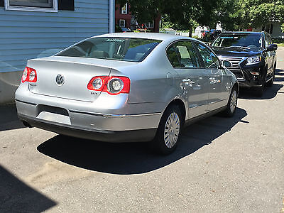 2006 Volkswagen Passat 4Dr Sedan 2006 vw passat 2.0T Parts Car - Needs work - NO RESERVE