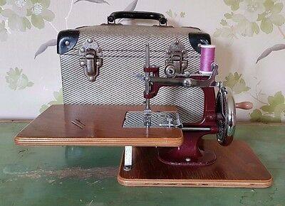 Vintage Essex Miniature Cast Sewing Machine Complete, Working And Cased