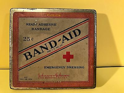 Vintage 1926 Johnson & Johnson Band-Aid Tin Flip Top Box W/CONTENTS - A MUST SEE
