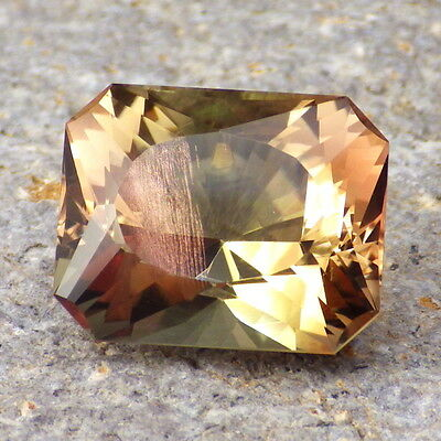 MULTICOLOR SCHILLER OREGON SUNSTONE 14.49Ct FLAWLESS-ONE OF THE MOST UNIQUE GEMS