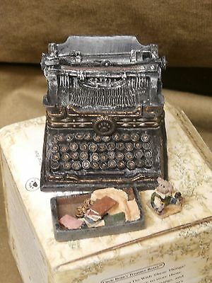 Boyds Resin Wilson's Typewriter with Underwood McNibbles & acc BOX  NEW