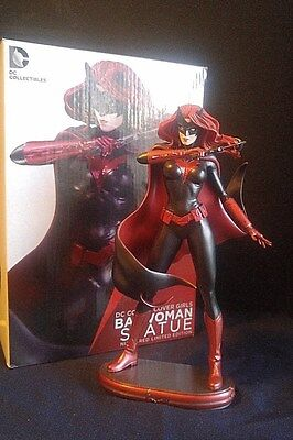Dc Direct Dc Covers Girls Limited Edition (Damaged)  Batwoman Statue #1530/5200