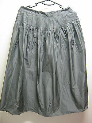 Stunning Sportscraft Size 8 Light Smokey Grey Ladies Skirt