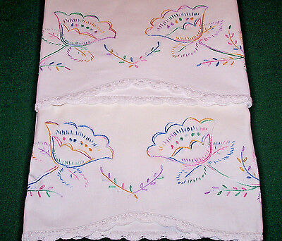 PRETTY VINTAGE FLORAL EMBROIDERED PILLOWCASES, WATER LILIES, MULTICOLOR, c1930