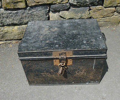 Vintage metal strong/deed box