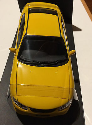 AUTOart - 1:18 Holden V2 Monaro - Yellow Devil - #334 of 4000