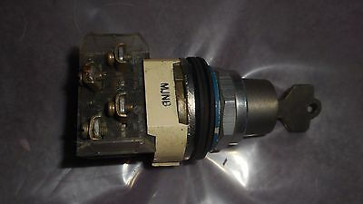 Used Allen-Bradley 800T-H33A 2 Position Lock Switch COMPLETE