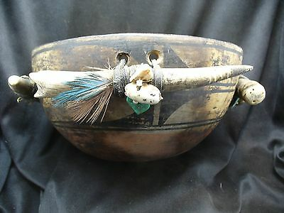 Important 19th Century Santo Domingo Fetish Bowl with 4 Horn Fetishes
