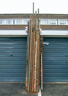 18 Assorted Scaffold Poles - Various Sizes see photo