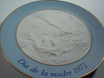 "LLadro Dia De La Madre Mother's Day 1972 Plate Gold Trim 7 3/4"" Blue and White"