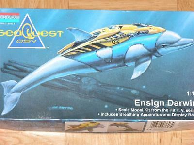 1/12 Monogram Seaquest DSV Ensign Darwin