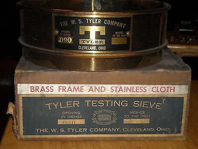 """Vintage W E TYLER 8"""" TESTING SIEVE .090 brass and stainless NOS in original box"""