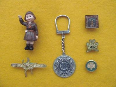 Vintage Girl Guides Of Canada - Collection (#1) Of 5 Pins And 1 Key Ring.