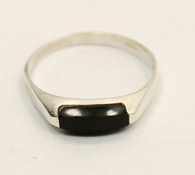 """Classical  """"Onyx""""  Estate Ring in .925 Silver"""