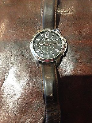 Beautiful fossil watch for men or women