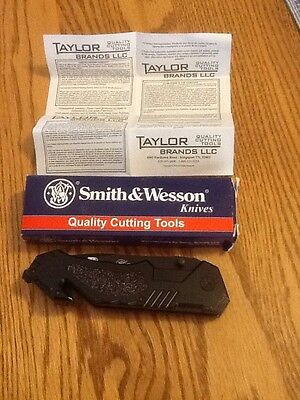 Smith And Wesson Boarder Guard Folding Knife Swbg3S New In Box Original Paper