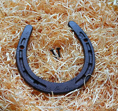Cast Iron Shabby Chic Lucky Horseshoe and Keys Garden Decorations Free Delivery