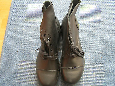 British Army nailed boots size 9M