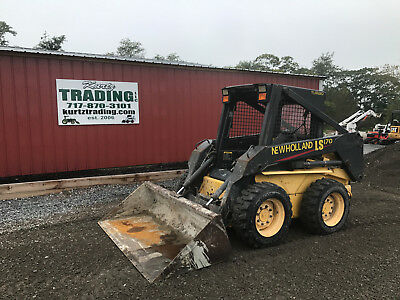 2004 New Holland LS170  Skid Steer Loader!