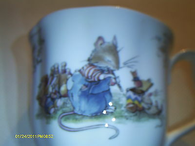 "Brambly Hedge ""The Birthday"" MUG - RARE/OOP - MINT !!!"