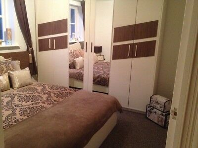 Stunning Wardrobe/6 doors/spacious/contemporary/built in trouser rail/rack/solid