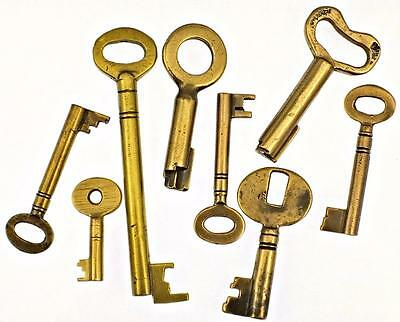 Antique/Vintage Brass Keys Job Lot of 7 + 1 Brass Plated - My Ref.J44