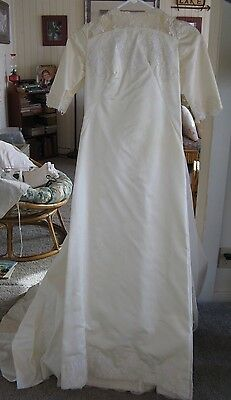 VTG 1960s? Wedding Dress Handmade, White Lace Pearls, Detachable Train Small