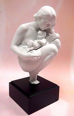 Love's Bond - Mother Holding Baby Child Figurine 2016 By Lladro Porcelain  #9224