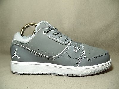 7e833b72cc5 VGC NIKE JORDAN FLIGHT 2 LOW Junior Cool Grey White Trainers UK 5.5 EU