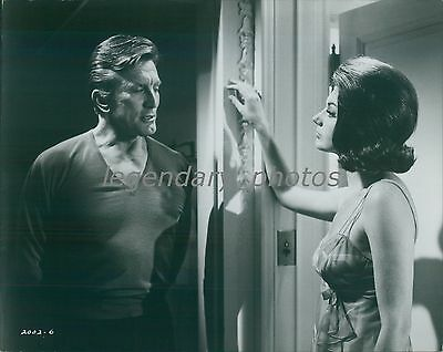 1968 A Lovely Way To Die Original Press Photo Kirk Douglas Sylva Koscina