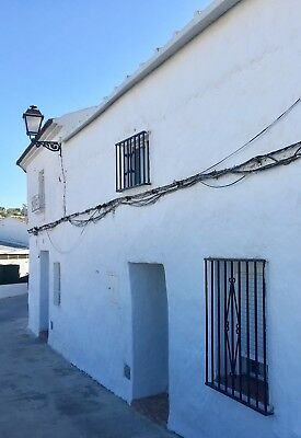 3 bedroom House In Andalucia Spain