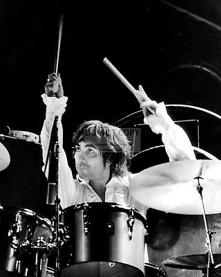 """Keith Moon Legendary Drummer For """"the Who"""" - 8X10 Publicity Photo (Fb-066)"""