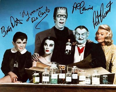 Munsters Cast Autographed Amazing High Gloss 8.5x11 Photo